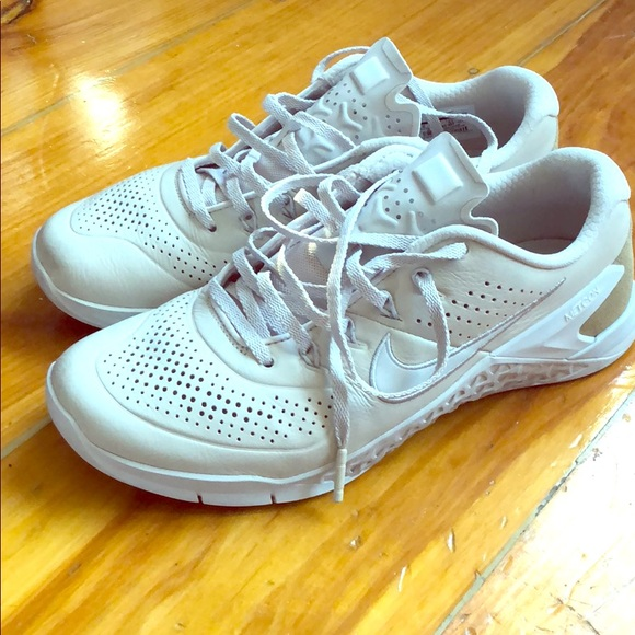 Nike Shoes | Nike Metcon 4 Amp Leather